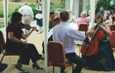 Cotswold Ensemble's String Quartet music at a Garden Party by the Cherwell in Oxford